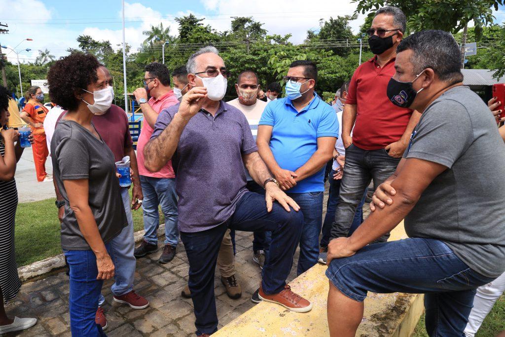 Sem DescriçãoPrefeito de Belém e secretários municipais conversaram com moradores para saber de suas necessidades.