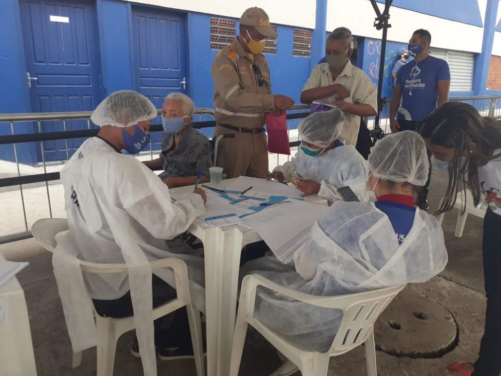 Agentes da SeMOB e GMB deram apoio à organização da vacinação contra a Covid.
