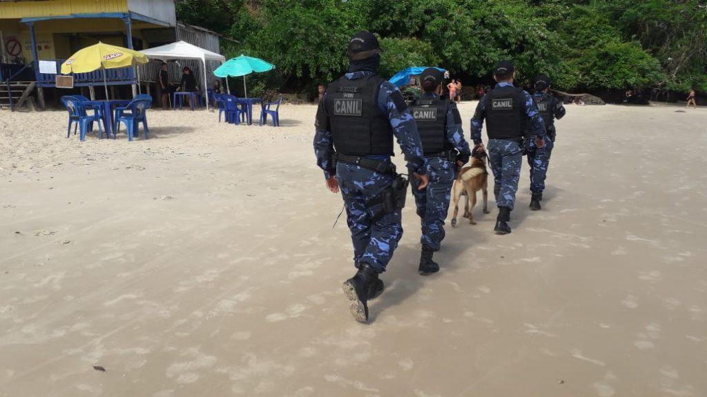 Agentes da GMB monitoram praias para garantir o cumprimento do combate à Covid-19